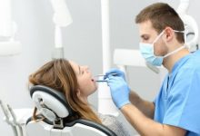 Photo of The Top 8 Signs That You Should Visit A Dentist At The Earliest